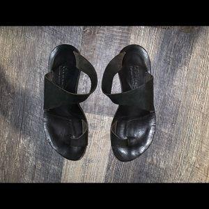 Shoes - Cydwoq thong sandals